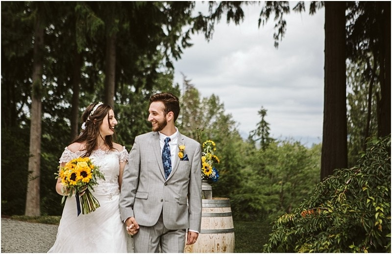 Navy Blue & Sunflowers | Lookout Lodge Snohomish Wedding